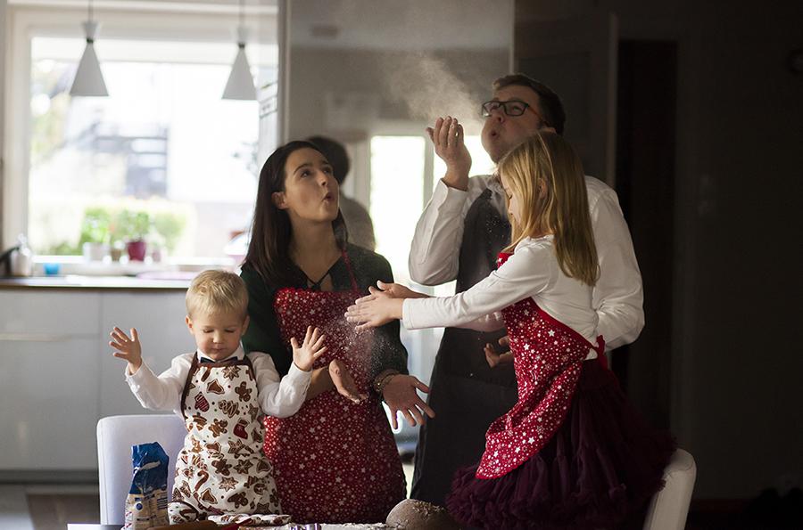 sesje świąteczne, zdjęcia świąteczne, sesja w studio, zdjęcia rodzinne, sesja w domu, sesja świąteczna w domu, sesja warszawa, zdjęcia świąteczne